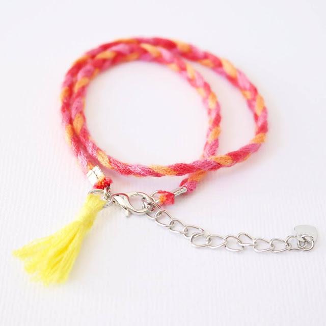 diy-bracelet-pompon