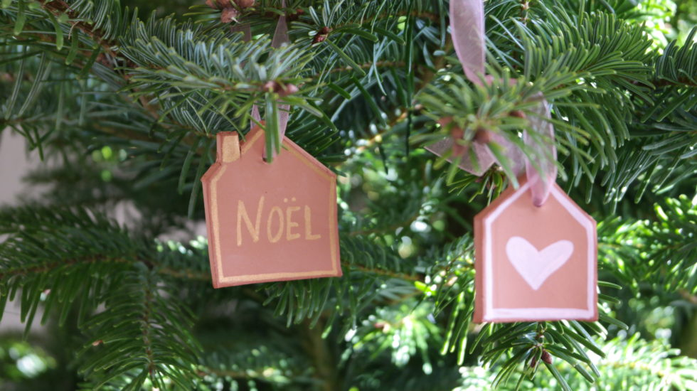 diy-suspension-noel-argile-christmas-ornament