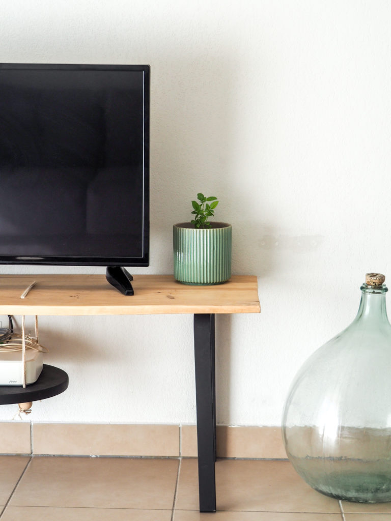 meuble tv diy tabouret frosta ikea